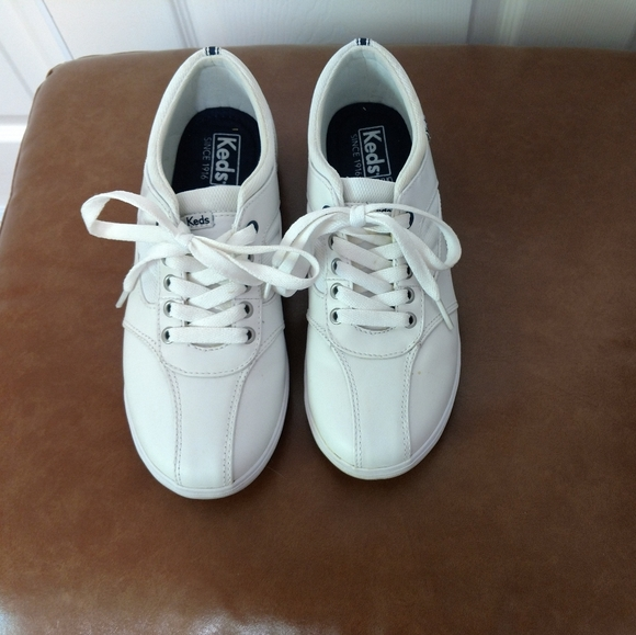Keds Shoes - Keds leather sneakers, size 7
